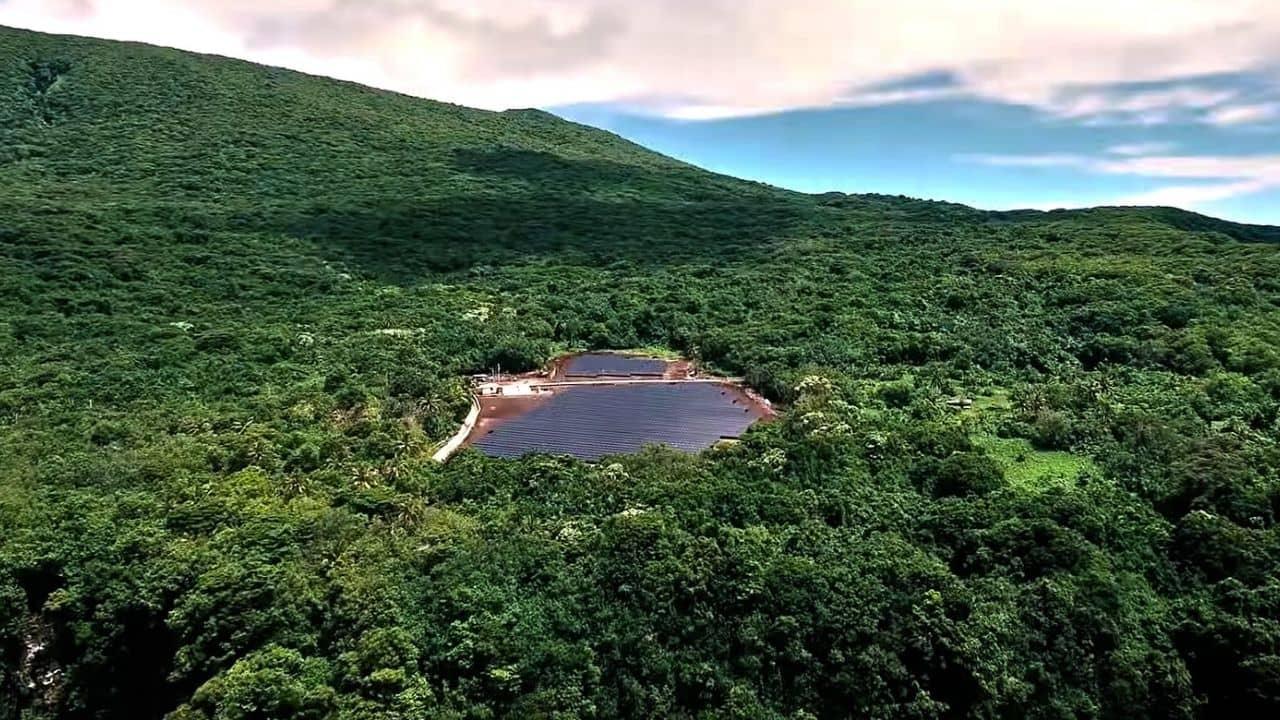 Placas solares en las islas Tesla y Solarcity