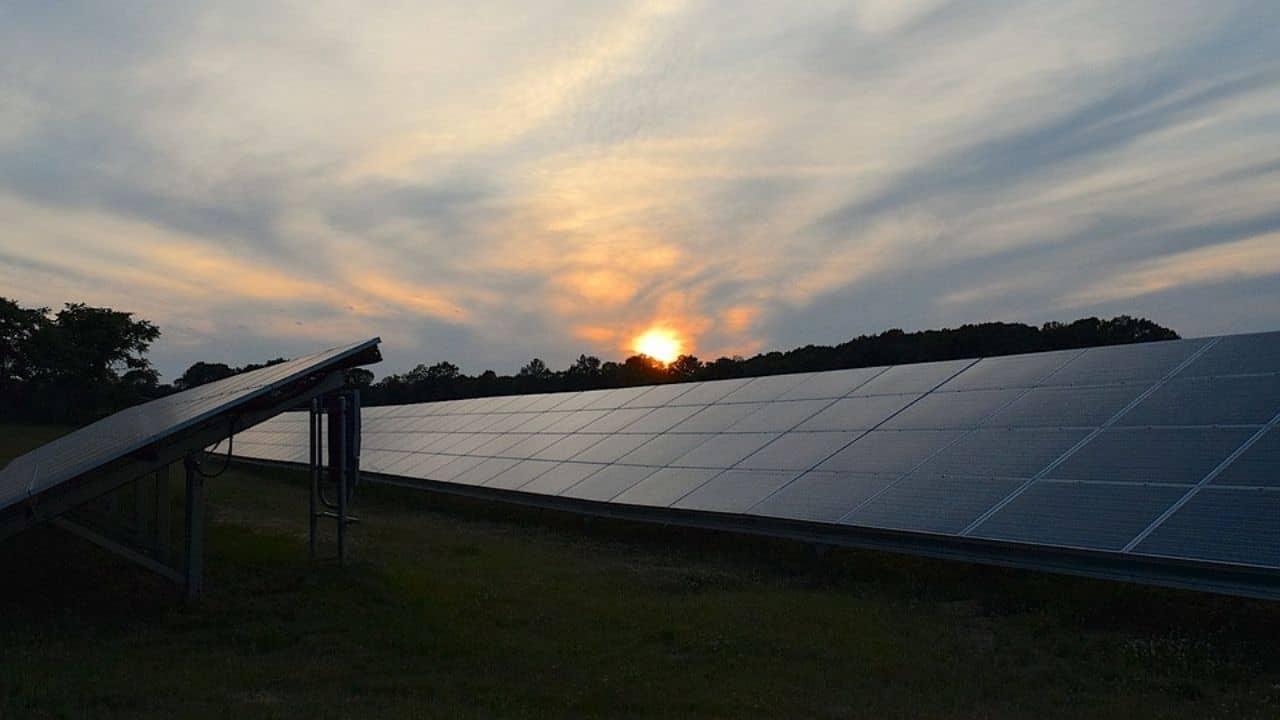 Funcionan los paneles solares en días nublados